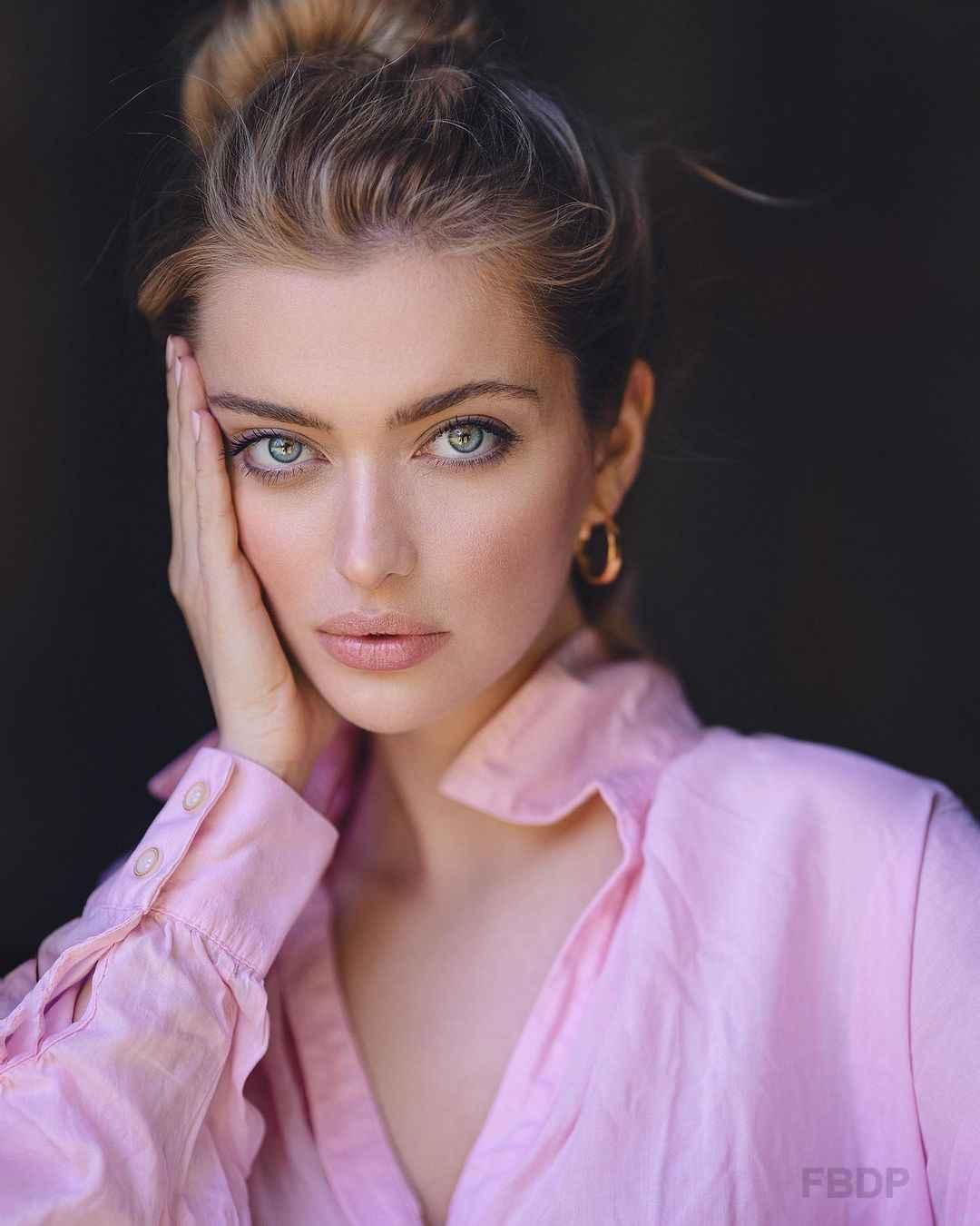 Beautiful Model DP