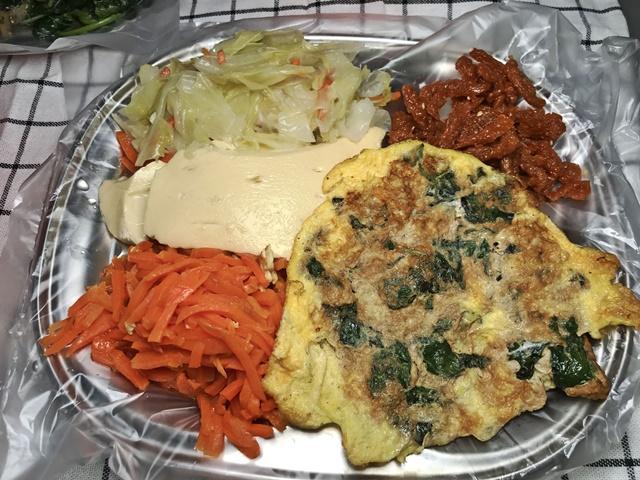 三重清粥小菜~三重葷素銅板早午餐