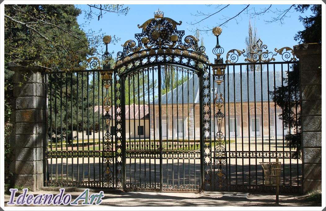 Puerta jardines Palacio