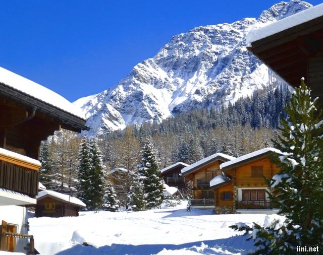 Hình ảnh ngôi nhà và mùa đông