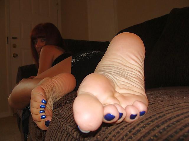 mature women feet soles
