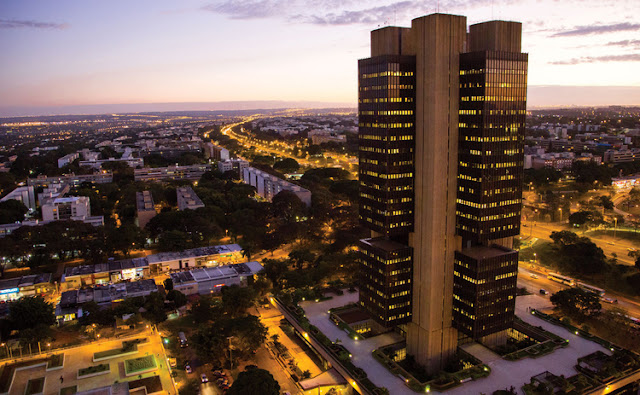 Image Attribute: Banco Central do Brasil HQ Building in Brasilia, Brazil
