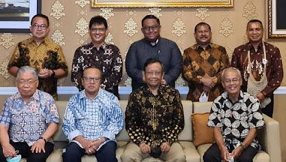 Uskup Indonesia bertemu Mahfud MD bahas kekerasan di Papua