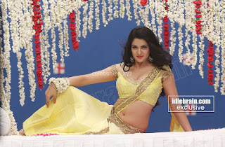 Sakshi Chodary in Yellow Transparent Sareei Choli Spicy Pics 26 .xyz.jpg