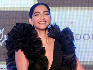 Sonam Kapoor in a Beautiful Stunning Black Dress at The Party Starter Anthem launch 02.jpg