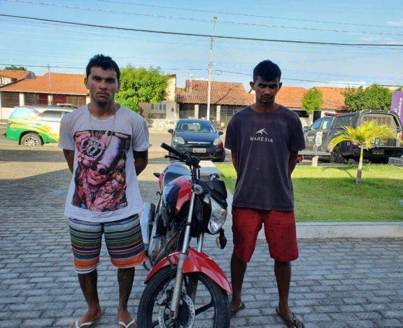 Polícia Militar recupera moto e prende dupla acusada de roubo em Parnaíba-PI