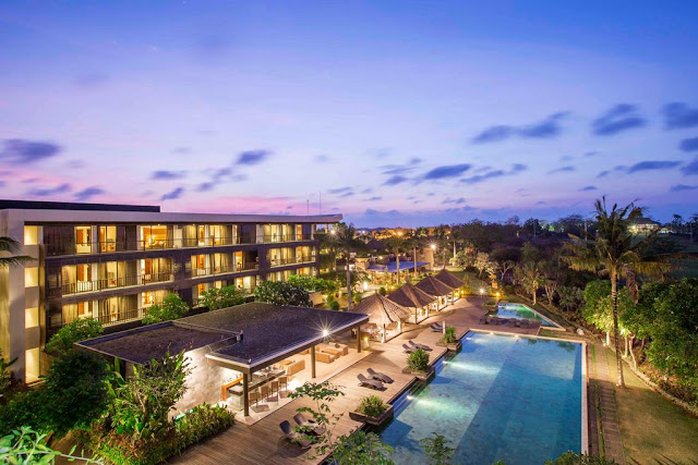 10 Luxury Hotels in Bali with Beautiful Sea Views