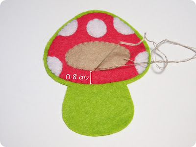 P1010095 - Casinha de Cogumelo em feltro