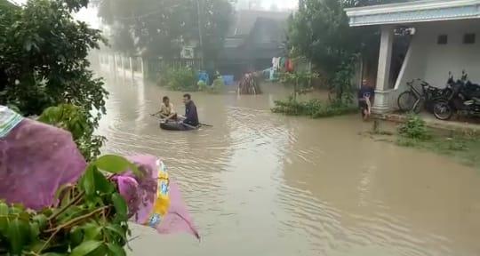 Sebagian Kecamatan Di Madiun Banjir Di Sebabkan Sungai Dangkal
