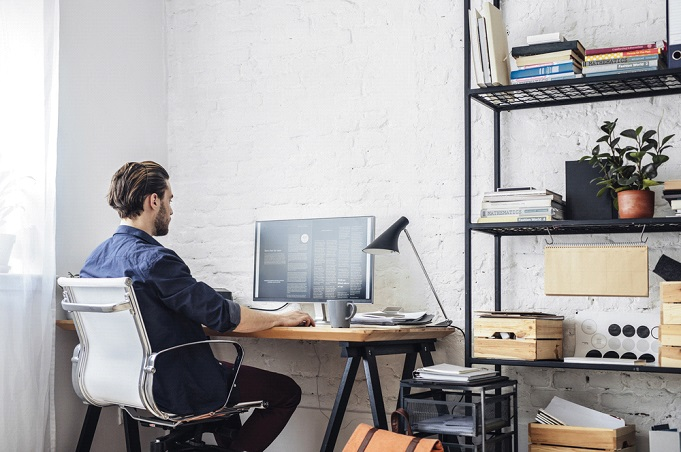 4 Ways Companies Are Providing a Smooth Transition to Remote Workplaces