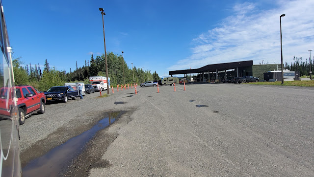 Inside Canada Border gate waiting to get approval