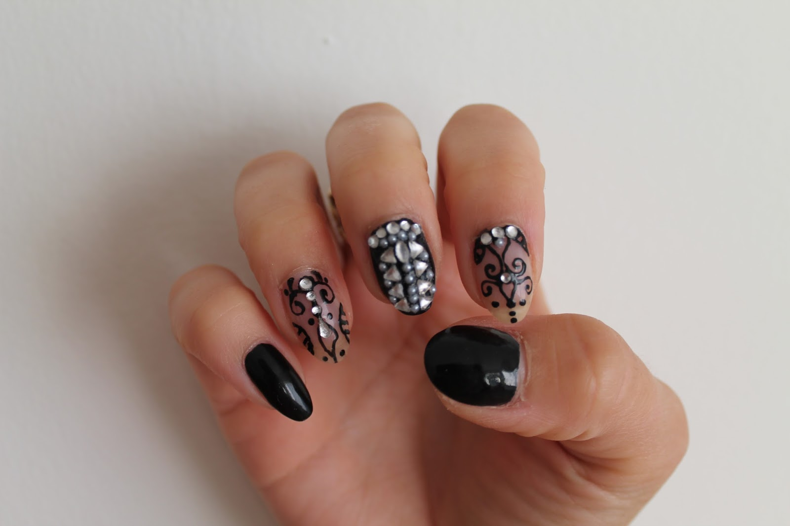 Black And Henna Tattoo Design Nail Art Jersey Girl Texan Heart