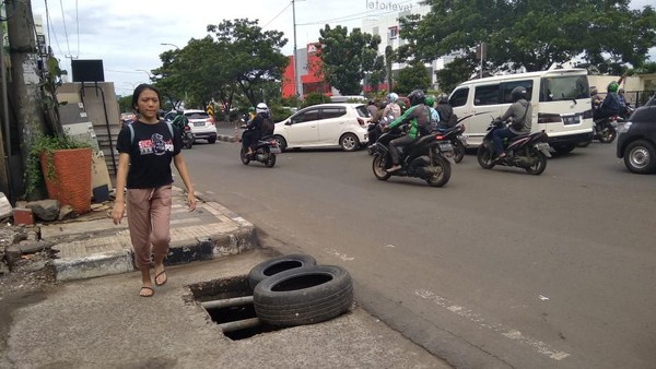 Heboh Penutup Gorong-gorong di Depok Dicolong