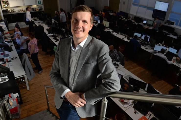 Historia de Adam Hildreth, joven millonario con apps