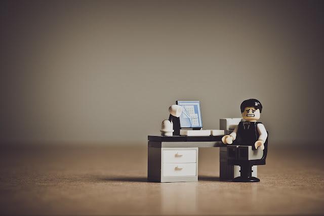 كيفية التعامل مع النكسات المهنية