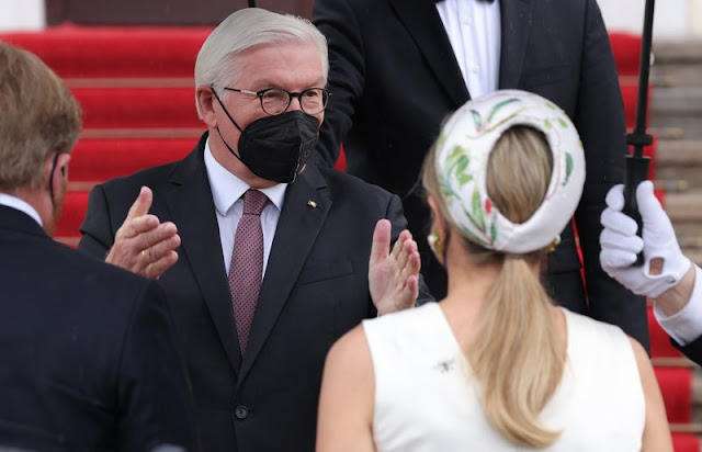 Queen Maxima wore a hand-painted silk and cotton shantung dress from Natan. President Frank-Walter Steinmeier and First Lady Elke Budenbender