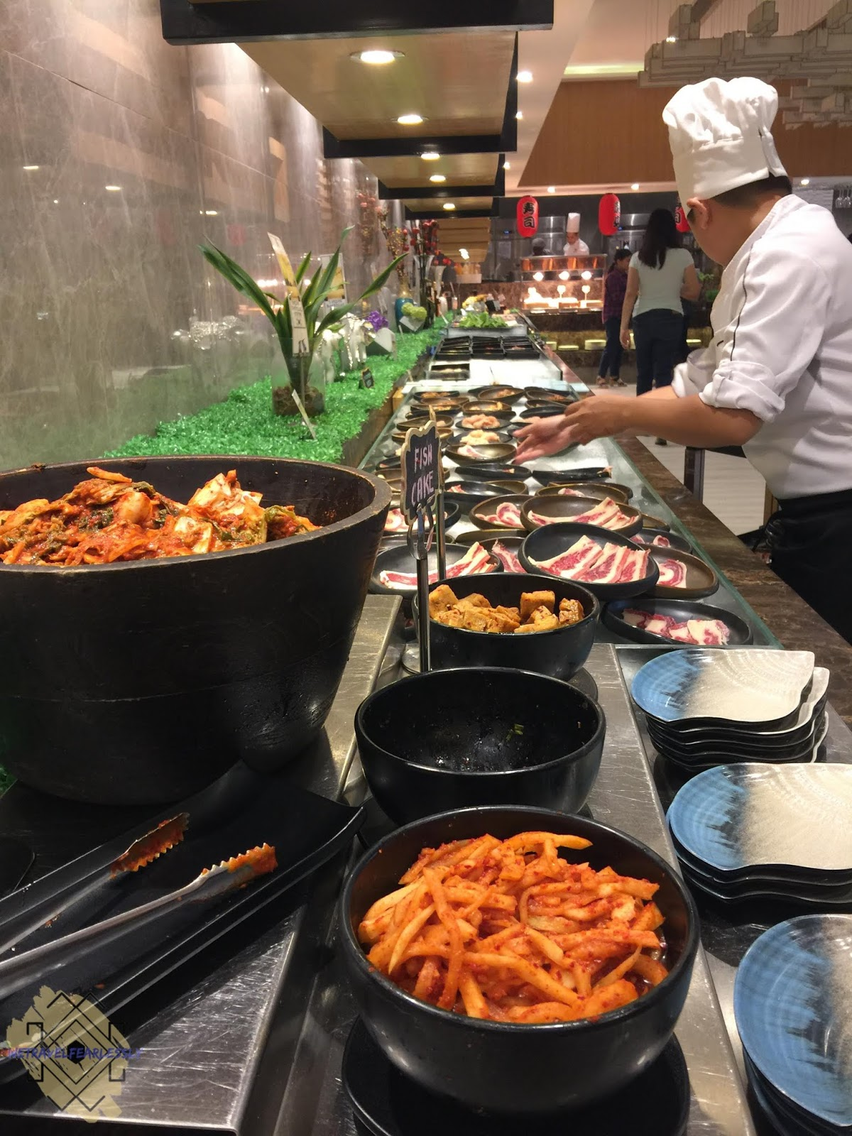 Buffet table - Six Doors BBQ Buffet in Uptown Mall, BGC - WTF Food Review