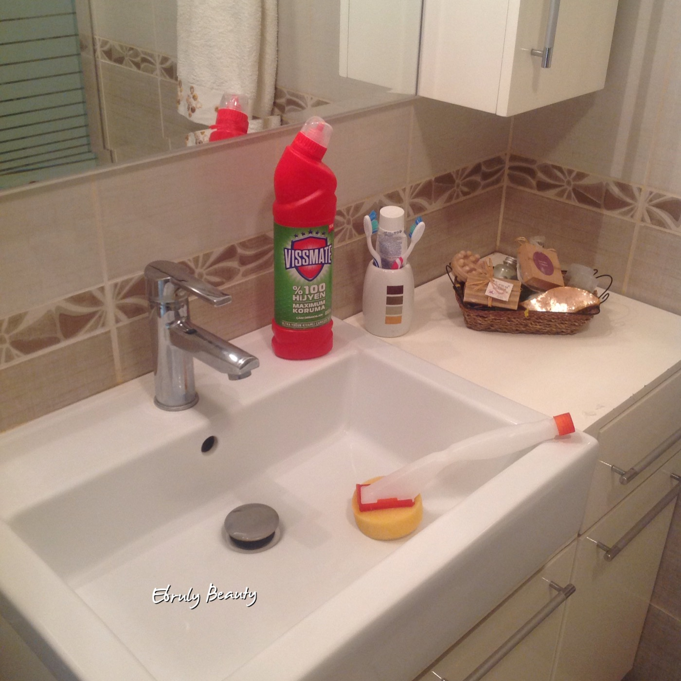 Duş Alırken Klozet Kapağını Kapatın