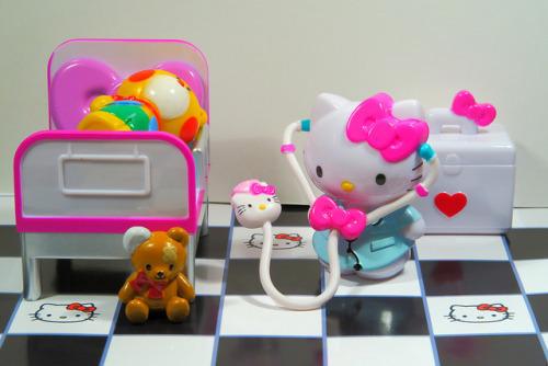 miniatura Hello Kitty enfermeira