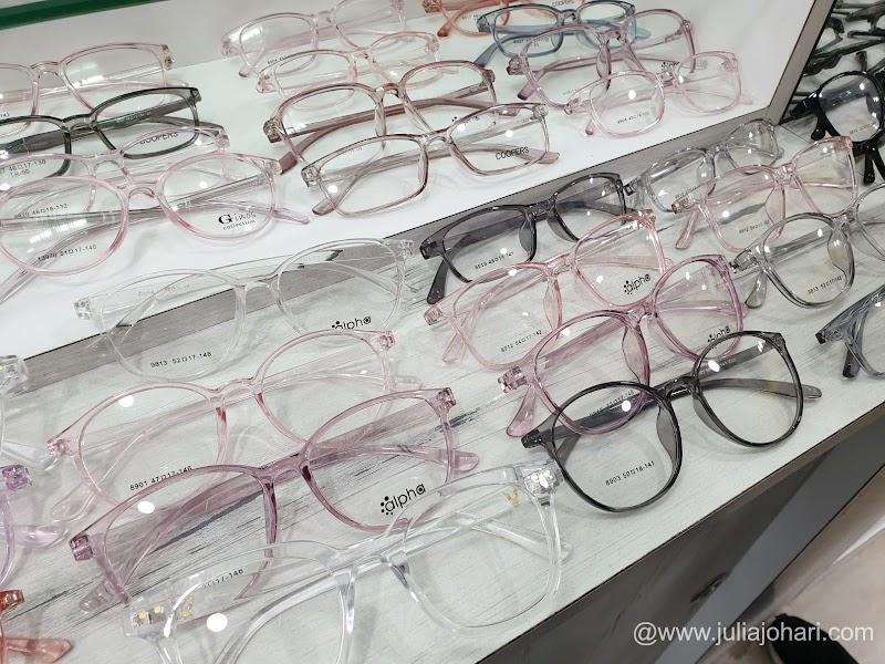 Lindungi mata si kecil anda dengan cermin mata Alpha Blue 420 dari Eye Pro Vision