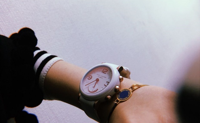 Review Jam Tangan Marc Jacobs Terbaik 2021
