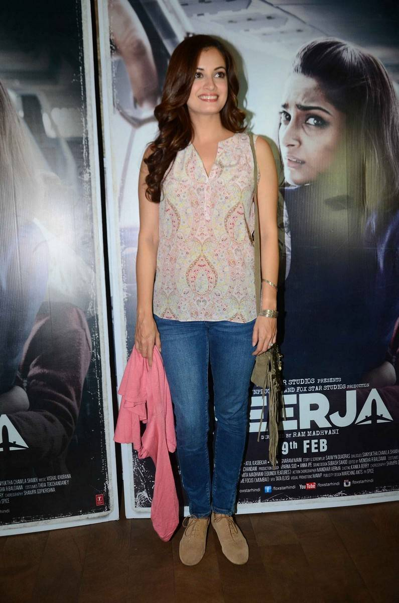 Bollywood Model Dia Mirza Latest Stills Photos