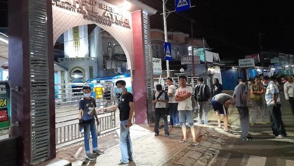 Ada Benda Mencurigakan Ditemukan di Depan Masjid Bengkulu