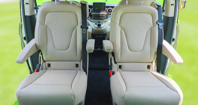 Băng giữa Mercedes V250 Avantgarde 2018 được thiết kế 2 ghế ngồi độc lập rất rộng rãi, thoải mái