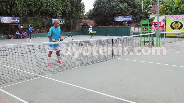 Candabirawa 1 Juara Kejuaraan Tenis Veteran Beregu Putra Pengkab Pelti Kediri