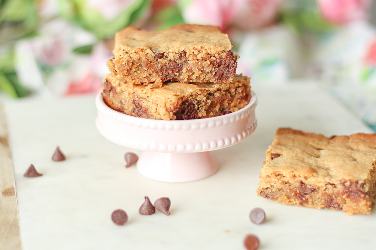One Bowl Peanut Butter Blondies