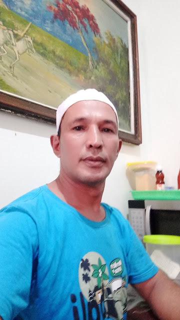 Aly Jambi Seorang Duda Beragama Islam, Suku Melayu, Berprofesi Sebagai Karyawan Di Jakarta DKI Sedang Mencari Jodoh Pasangan Wanita Untuk Jadi Calon Istri