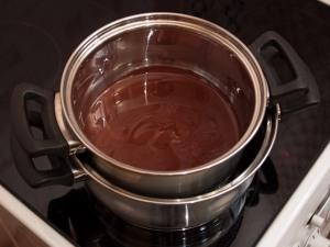 десерты из шоколада, сладости из шоколада, что можно приготовить из шоколада, как правильно растопить шоколад, какой бывает шоколад, рецепты из шоколада, интересное про шоколад, кондитерские изделия, лакомства, сладости, из шоколада, все про шоколад, что можно приготовить из шоколада, шоколадные десерты, шоколадные подарки, Шоколадные рецепты, Бисквитные пасхальные яйца, Быстрое шоколадно-овсяное печенье без выпечки, Готовим шоколадные конфеты с начинкой: коллекция рецептов и идей, Домашняя ореховая паста «А-ля нутелла» на растительном масле, Как растопить шоколад?, Клубника в шоколаде: рецепты, идеи, оформление, Конфетный ноутбук (МК), Конфеты «Кокосовый рай» в белом шоколаде с желейной начинкой, Конфеты с пожеланиями — идея для любого праздника, Конфеты «Сухофрукты в шоколаде», Конфеты «Чернослив в шоколаде» с изюмом и курагой, Ложки с шоколадом, Пасхальные шоколадные гнездышки, Сладкие яйца «картошка» в глазури, Спортивные снаряды из конфет — оригинальные идеи, Сырая пасха с шоколадом, Творожно-шоколадный десерт с бананом, Чернослив в шоколаде, Шарики Баунти, Шоколадная начинка для блинов и пирогов. Идеи и рецепты, Шоколадная такса Twix, Шоколадно-банановые гоблины на Хэллоуин, Шоколадные блины и оладьи: коллекция рецептов, идей и советов, Шоколадные карандаши в пенале (МК), Шоколадные кексы в яичной скорлупе, Шоколадные конфеты с кремовой начинкой, Шоколадные конфеты с нутеллой, Шоколадные пасхальные яйца с творожной начинкой, Шоколадные яйца в яичной скорлупе, Шоколадный кекс в кружке, «Шоколадный чудо-фокус» — кекс в кружке, «Brigadeiro» — бразильские шоколадные трюфели на сгущенке,десерты из шоколада, сладости из шоколада, что можно приготовить из шоколада, как правильно растопить шоколад, какой бывает шоколад, рецепты из шоколада, интересное про шоколад, кондитерские изделия, лакомства, сладости, из шоколада, все про шоколад, что можно приготовить из шоколада, шоколадные десерты, шоколадные подарки,