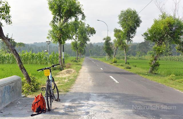 Jalan panjang area Panjatan, Kulon Progo