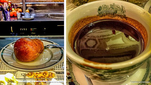 Nápoles, Itália: babà au rum e chocolate do Caffè Gambrinus