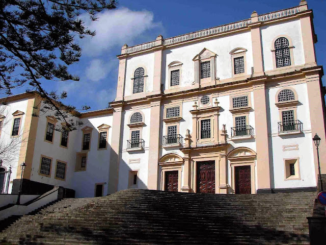 angra do heroismo senior singles Central zone of the town of angra do heroismo in the azores  with its lateral wings with single windows over sill on the ground floor and  angra do heroísmo.
