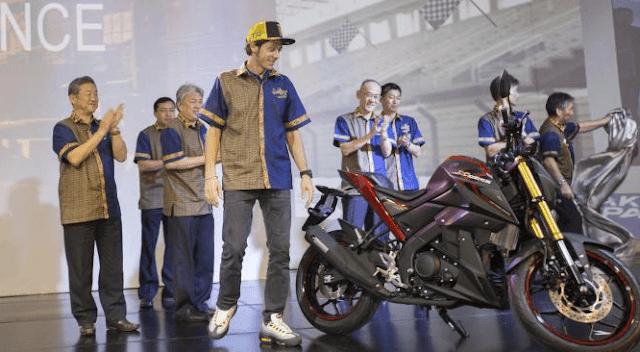Untuk pilihan warna sendiri, konsumen diberi pilihan warna Hitam, silver dan abu-abu. Harga Yamaha xabre on the road Jakarta, seperti diatas, yakni sebesar 29,8 juta