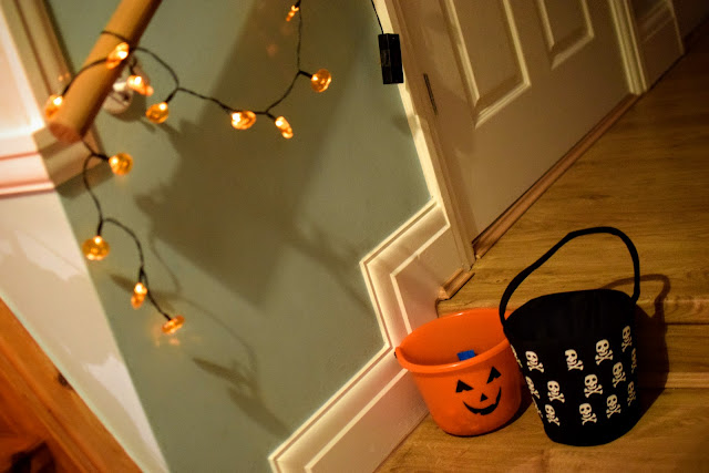 Halloween, UK, dress up, cookies, trick or treat, family, party, Halloween party