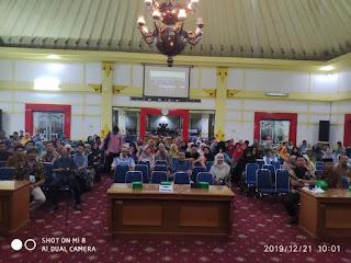 Foto Acara Bedah Buku Haidar Bagir di Surakarta