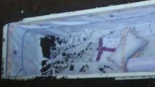Waduh Tim Pemulasara  Covid-19 Kuburkan Peti  Mati Kosong