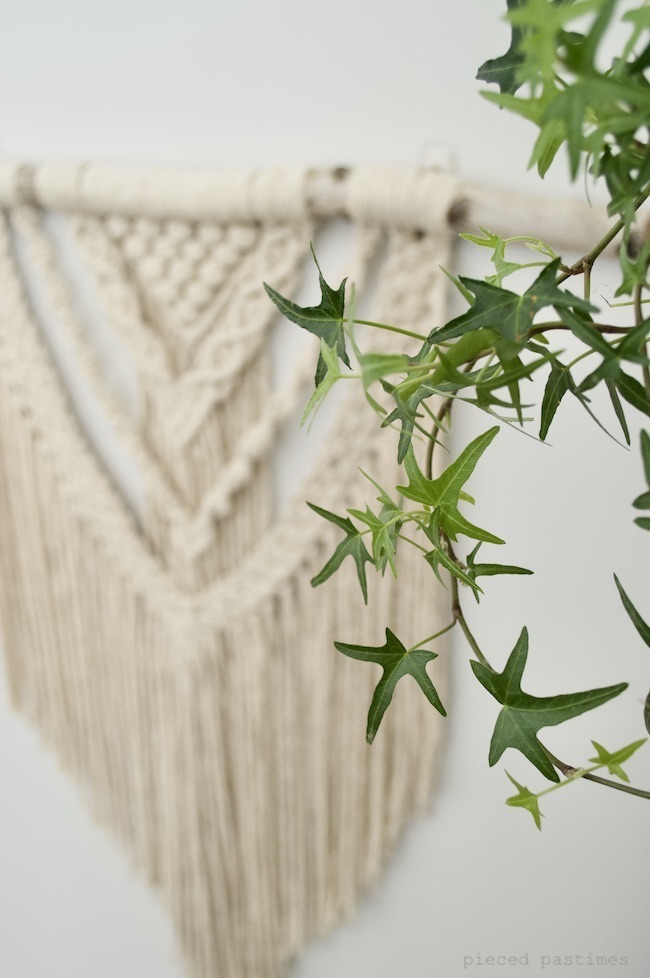 Macrame Wallhanging at Pieced Pastimes