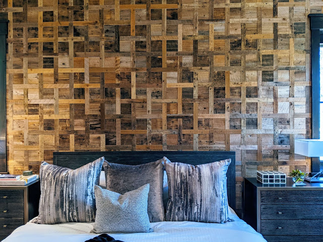 reclaimeed wood feature wall