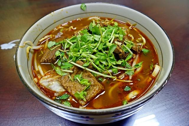 天香麵又香又辣超夠味