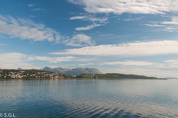 Harstad desde el Hurtigruten. Noruega