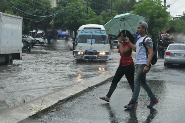 Se esperan aguaceros para la tarde de hoy; Onamet mantiene alerta por inundación