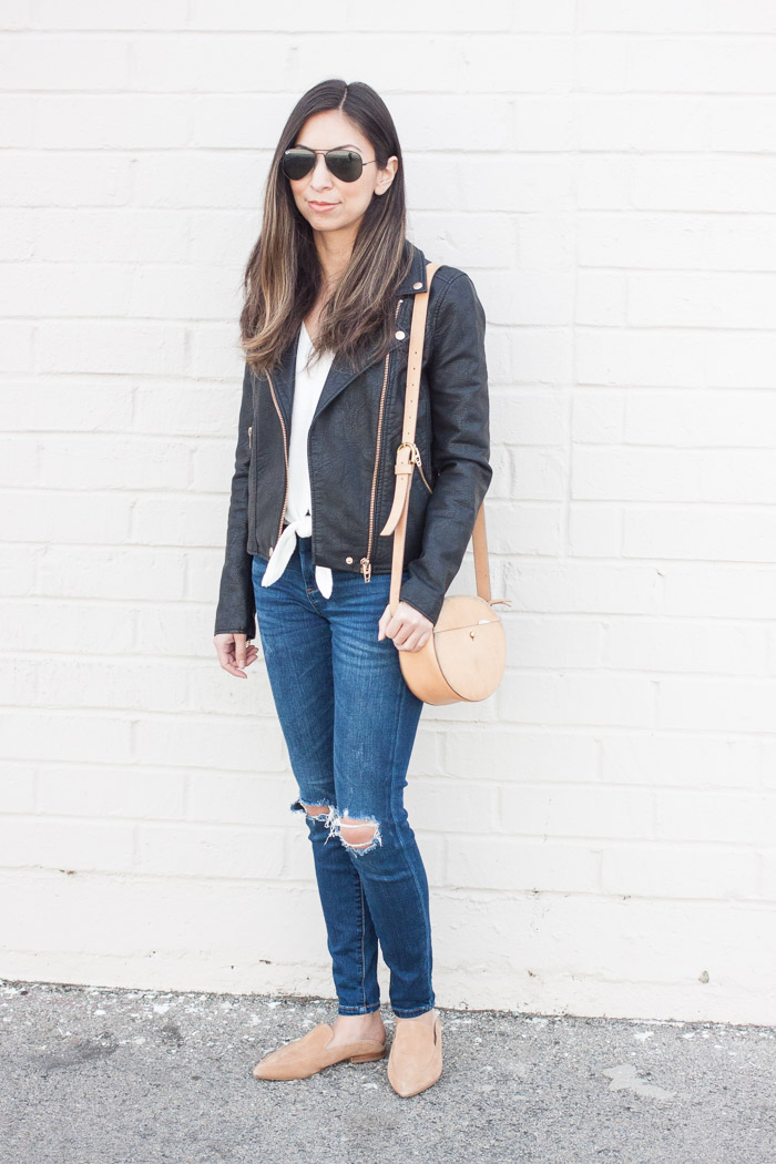 black jacekt, white tee, skinny jeans