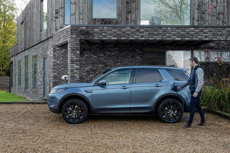 Land Rover ra mắt biến thể PHEV cho Evoque và Discovery Sport
