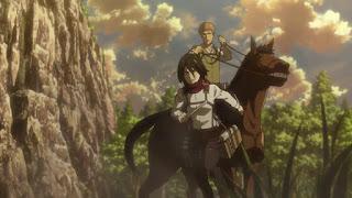 Mikasa zeskoczyła z konia