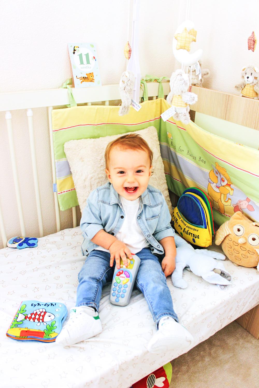 11 months old baby boy photos, happy boy, happy kid, srecna beba, srecno dete
