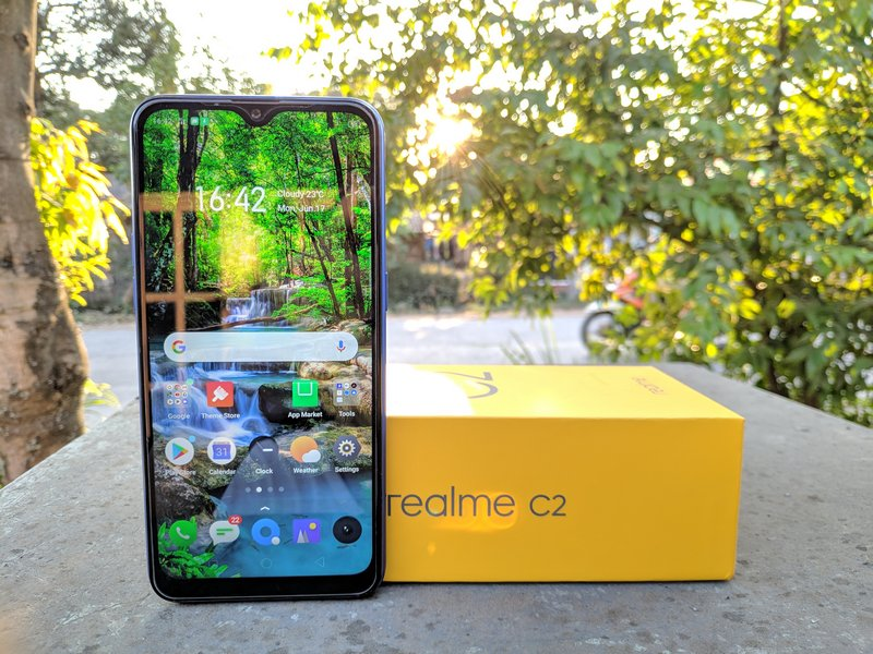 Realme C2 Review: Smartphone Murah Terbaik?