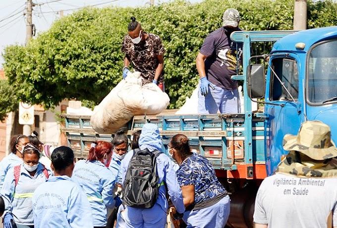 Araraquara, SP: Agentes de combate a endemias participam de mutirão contra a dengue que retirou 6 caminhões de inservíveis em um dia